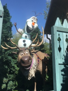 frozen let it go disneyland paris olaf sven